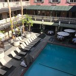 Photo de Ayres Hotel & Suites in Costa Mesa - Newport Beach
