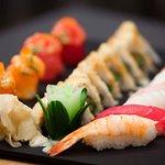 Sushi retter hos Maitree Thai & Sushi Cafe i Hokksund.   #sushi #sashimi #laks #fisk #thaimat #J
