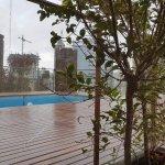 La realidad, piscina, bar y terraza cerrados