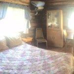 Cabin 8- full bed