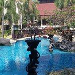 Foto Novotel Surabaya Hotel and Suites