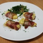 Halloumi wrapped in crispy pancetta
