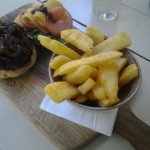 Beef burger with onion marmalade