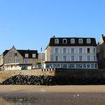Vue de l'hôtel-restaurant depuis la plage