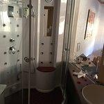 Grand douche pour 2 personnes avec plein de fonctions