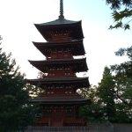 敵か味方かに問わず供養するために建てられた五重の塔