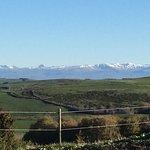 Les monts du Cantal depuis la chambre