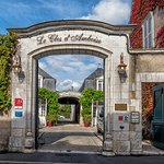 The entrance to the Hotel Le Clos d'Amboise