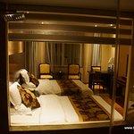 Zimmer und Badezimmer schön groß und komfortabel