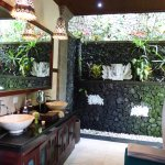 Bathroom Villa Tunjung
