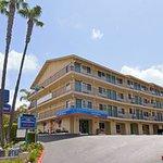 Photo of Howard Johnson Inn San Diego Hotel Circle