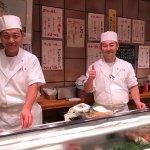 非常美味的握壽司 與東京築地市場的壽司大相比 兩家口味不大一樣 身材新鮮 口味清新 多以原味呈現 最後附上 蝦頭湯與 自家製莓果冰沙 非常對味 讓你(妳) 有不一樣的壽司體驗 cp值高 由松島