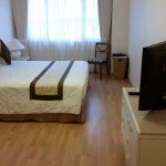 2 bedroom apartment - king bed