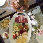Herrliches Frühstück , in traditionsreicher, nostalgischer Kulisse. Ein Erlebnis!