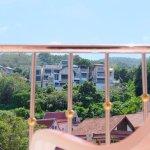 Photo de Patong Eyes Hotel