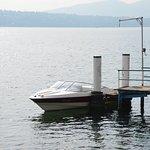 Lors de vos balades en bateau, profitez de notre ponton privatif et venez faire une pause déjeun