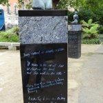 Foto de Monument to Oscar Wilde