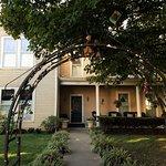 Red Rose Inn main entrance