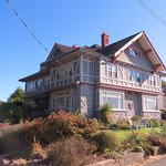 Dashwood Manor Seaside Bed and Breakfast Inn Photo