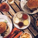Heroes Burgers Foto