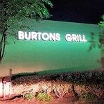 Foto de Burtons Grill