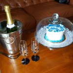 Cake & champagne as desribed in riview.