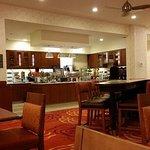 Photo de Homewood Suites by Hilton Winnipeg Airport-Polo Park, MB