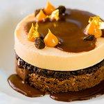 Brownie de chocolate, crispy de Oreo & parfait de doce de leite e Baileys