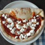 Pizza Vesuvio creamy & spicy all at once