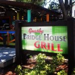 Foto de Gnarly Bridge House Grill