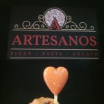 Artesanos pizzeria Foto