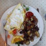 Veggie omelet w/slightly overdone potatoes..