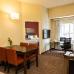Photo de Residence Inn Ottawa Airport