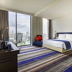 Spacious Superior Room at Holiday Inn Express Bangkok Siam