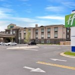 Holiday Inn Express and Suites: Fort Walton Beach Hotel Exterior