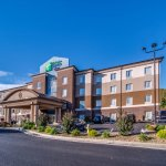 Photo of Holiday Inn Express and Suites Wytheville