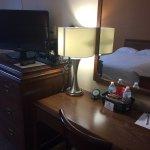 Photo de Greenwood Inn & Suites