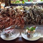 Seafood buffet - crevettes, oysters, clams