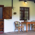 Macaw veranda