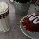 Weiße Schokolade und Muffin