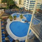 vue du balcon coté piscine