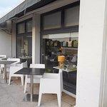 Salle à manger attenante à la terrasse