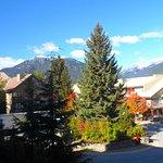 Foto de Mountain Side Hotel Whistler by Executive