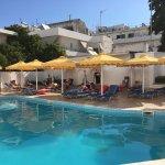 Photo de Mitsis Petit Palais Beach Hotel
