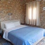 Photo de Arapiou Apartments