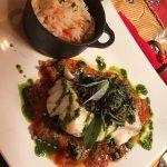 Cabillaud pesto et coulis tomates et riz au petits légumes