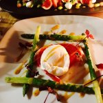 Manor House Inn: Entrance, Asparagus, Prosciutto and Duck Egg Appetizer, Fig and Local Buffalo M