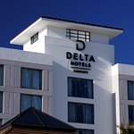 Delta Hotels by Marriott Chesapeake Exterior