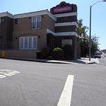 Crimson Hotel Foto