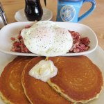 Hash & Eggs with Pancakes hit the spot at TOPH (06/Oct/17).
